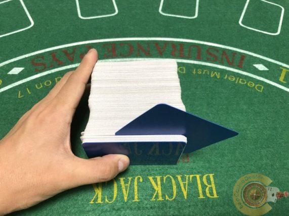 カットカード、バカラ