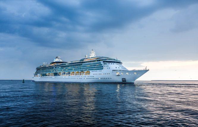 cruise、ship、客船